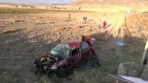 GÜNCELLEME - Aksaray'da Hafif Ticari Araçla Otomobil Çarpıştı Açıklaması 1 Ölü, 5 Yaralı