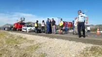 DAĞBELI - GÜNCELLEME - Antalya'da Otomobil Devrildi Açıklaması 4 Ölü, 1 Yaralı