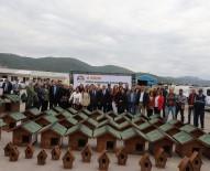 KUŞ YUVASI - Körfez'de Sokak Hayvanları Unutulmadı