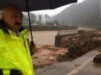 Trabzon'da Sağanak Yağış Etkili Oluyor
