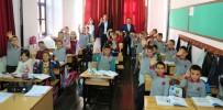 ÖZEL OKUL - Uşak Belediyesi Öğrencilere Meyve İkram Etti