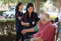YAŞLILAR HAFTASI - Yaşlılara Hem Sağlık Hizmeti, Hem Moral Verdiler