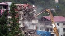 YAĞIŞ UYARISI - 7 Katlı Binanın Yıkımında Sona Yaklaşıldı