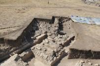 Çorum'da 1800 Yıllık Havuz Ve Veranda Bulundu
