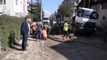 BEYAZ EŞYA - Düzce'de Ana Su Borusu Patladı, İş Yeri Ve Evleri Su Bastı