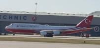 KATAR EMIRI - Katar Emiri'nin Hediye Ettiği Uçak Kırmızı Beyaza Boyandı