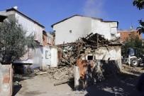 VEZIRHAN - Metruk Binalar Yıkılıyor