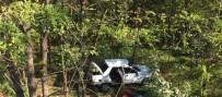İBRAHIM EREN - Otomobil Şarampole Uçtu Açıklaması 4 Yaralı