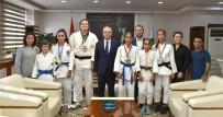 BENGÜ - Şampiyon Judocular Sevincini Başkan Kayda İle Paylaştı