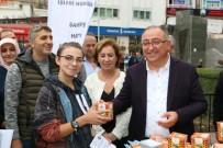 VEFA SALMAN - Veteriner Başkan Mama Dağıttı