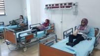 BAŞ DÖNMESİ - Adıyaman'da Pansiyonda Kalan 21 Öğrenci Yemekten Zehirlendi