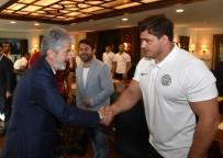 MİLLİ GÜREŞÇİLER - ASKİ Sporlu Güreşçilerden Başkan Tuna'ya Ziyaret