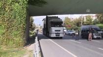 ELEKTRİK TRAFOSU - Esenler'de Tır Alt Geçide Sıkıştı