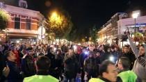 PROVOKASYON - Hollanda'da Irkçı Gruptan Gösteri