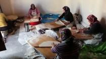 ALıŞKANLıK - Konyalı Kadınların 'Kış Ekmeği' Hazırlığı