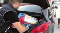 Otomobildeki Uyuşturucu Hapları 'Şans' Buldu