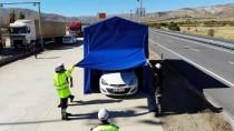 TRAFİK KURALLARI - Sürücüler Trafik Kurallarını 'Yaşam Tüneli'nde Öğreniyor