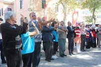 DOĞAL AFET - Elazığ'da Gençler İle Yaşlılar Egzersiz Yaptı