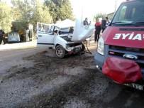 ÖLÜDENİZ - Fethiye'de Otomobil Elektrik Direğine Çarptı Açıklaması 1 Ölü