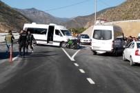 KARADENIZ TEKNIK ÜNIVERSITESI - Gümüşhane'de Trafik Kazası Açıklaması 1 Yaralı