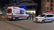 TAKSIM MEYDANı - Taksim Meydanı'nda Erkek Cesedi Bulundu