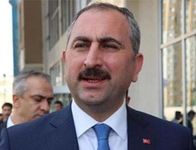 Bakan Gül'den hakim, savcı ve avukatlar için bedelli askerlik açıklaması