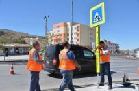 TRAFİK YOĞUNLUĞU - Büyükşehir'den, Okul Önlerine Trafik Önlemleri