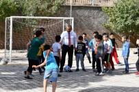 Çocuklarla Futbol Oynayan Vali Sonel, Lunapark İsteklerini De Yerine Getirdi