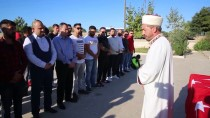 GIYABİ CENAZE NAMAZI - 'Gencecik Bir Kardeşimiz, Uyuşturucu Etkisiyle Allah'ın Evine Zarar Vermiştir'