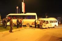 IŞIK İHLALİ - Minibüs İle İşçi Servisi Çarpıştı Açıklaması 2 Yaralı