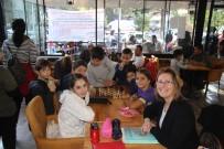 SATRANÇ TURNUVASI - 'Satranç Kafe'de Bulunmanın Ek Ücreti Yok, Tek Kural 'Sessizlik'