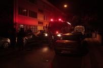 HAYDARPAŞA - Üsküdar'da Yangın Açıklaması 1 Ölü, 2 Yaralı
