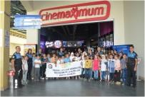 TOPLUM DESTEKLI POLISLIK - 'Birlikte Bir Yıl' Projesiyle Çocuklar Sinemayla Tanıştı