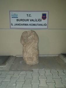 Burdur'da Roma Dönemi'ne Ait Sağlık Tanrısı Heykel Ele Geçirildi
