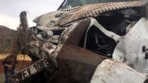 Elazığ'da Düzensiz Göçmenleri Taşıyan Minibüs Devrildi Açıklaması 26 Yaralı