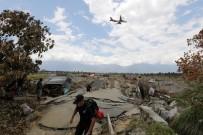 FELAKET - Endonezya'da Felaketin Bilançosu Artıyor Açıklaması 2 Bin 202 Ölü