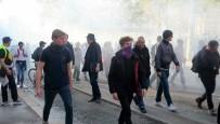 KEMER SIKMA - Fransa'da Hükümet Protesto Edildi