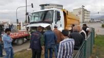 Hafriyat Kamyonu Otomobili Biçti (2)