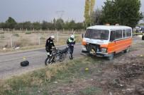 ŞEYH ŞAMIL - Minibüsle Çarpışan Motosiklet Sürücüsü Hayatını Kaybetti