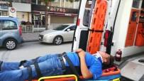 İLK MÜDAHALE - Siparişe Giden Motosikletli Kurye Kaza Yaptı Açıklaması 1 Yaralı