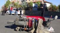 Aksaray'da Otomobil İle Motosiklet Çarpıştı Açıklaması 1 Yaralı