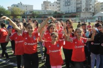 Beşiktaş'tan 10 Bin Cizreli Çocuğa Forma