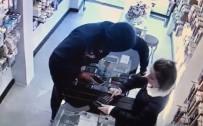 Cep Telefonu Çalan Yabancı Uyruklu Şahıs Tutuklandı
