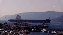 Hasarlı Konteyner Gemisi Çanakkale Boğazı'ndan Geçti