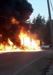Kilis'te Yağ Yüklü Tırın Yanması Sonucu Gökyüzünü Alevler Kapladı (1)