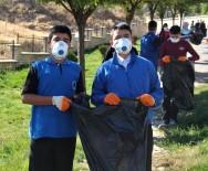 FıRAT ÜNIVERSITESI - Öğrenciler, Tarihi Harput Mahallesinde Çöp Topladı
