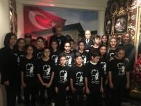 ÖLÜM YILDÖNÜMÜ - 10 Kasım'da Çocuklar Yine Ayakta Alkışlandı