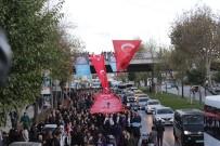 SAKIP SABANCI - 300 Metrelik Türk Bayrağıyla Dolmabahçe'ye Yürüdüler