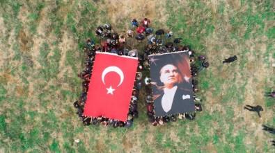 Atatürk Hatıra Ormanı'nda Fidan Diktiler