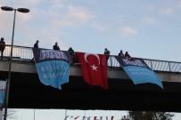 SAKIP SABANCI - Beşiktaş'ta 300 Metrelik Dev Türk Bayrağıyla Binler Dolmabahçe'ye Yürüdü